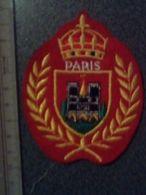 ECUSSON  TOURISTIQUE TISSUS NOTRE DAME  PARIS - Ecussons Tissu