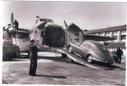 Bristol 403 Entrée Le Nez D'un Bristol 170 Freighter Silver City Airways At Lydd Airport 1952 - CPM - Turismo