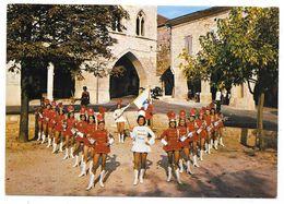 Cpsm: 47 MONFLANQUIN (ar. Villeneuve Sur Lot) Les Majorettes  Ed. R. Garnier (rare) - Monflanquin