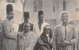 ÉGYPTE►LE CAIRE►CPA►►PRÉCURSEUR►COIFFEUR ARABE►HOMMES PORTANT DES TARBOUCHES►AU CARTO-SPORT, MAX H RUDMANN ♥ - Cairo