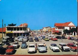 33- LACANAU- -OCEAN-La Place Et Les Allées Pierre-Ortal- Trés Beau Plan Sur Automobiles Françaises - Scans Recto Verso - Frankreich