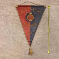 Flag Pennant Banderín ZA000507 - Football (Soccer / Calcio) Hungary Vasas 1956 - Bekleidung, Souvenirs Und Sonstige