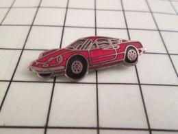 115c Pin's Pins / Beau Et Rare / THEME : AUTOMOBILES / PETITE FERRARI ROUGE - Ferrari