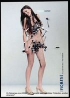 Fille Nue Magnétique Portant Des Couverts VicMatié VICMATIE Magnetic Naked Girl Carrying Cutlery - Werbepostkarten