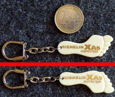 Porte-clé Bibendum MICHELIN Pied Pneus XAS Asymétrique NEUF - Autres