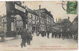 SENONES - Arrivée Du 1er Chasseurs à Pied Devant L'hôtel De Ville - Senones