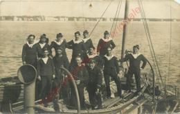 ROCHEFORT . PHOTO-CPA . Groupe De Marins Militaires En 1916 . - Manoeuvres
