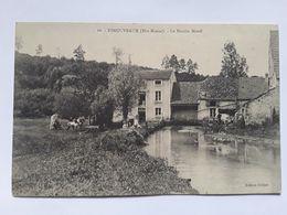 Esnouveaux Le Moulin Morel - France
