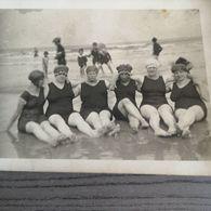 Badmode,1920?,aan Zee,badpak,strandcabines,...3 Postkaarten. - Fashion
