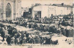 BRESSUIRE - N° 29 - UN COIN DU CHAMP DE FOIRE - Bressuire