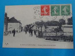 18 ) Dun-sur-auron - N° 36 - Passage à Niveau Et Rue Des Ponts - Année 1921 : EDIT : E.M.B - Dun-sur-Auron