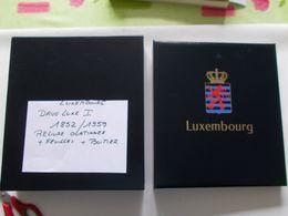 LUXEMBOURG -  DAVO Luxe   Album 1  RELIURE  Ouatinnée + BOITIER  + Contenant Feuilles De L'année 1852 A 195911 - Bindwerk Met Pagina's
