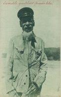 TIMOR - COSTUMES - Timor Português - Um Macaír Lúlic ( Sacerdote Gentilico)( Ed. Da Missão Nº 051248) Carte Postale - Timor Oriental