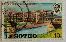 022. LESOTHO (10C) USED STAMP MAKHALENG RIVER BRIDGE - Lesotho (1966-...)