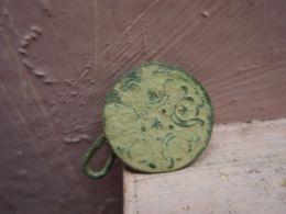 Petit Bouton Avec Crochet - Buttons