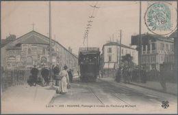 Roanne ,  Passage à Niveau Du Faubourg Mulsant , Tramway , Animée - Roanne