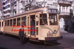 Reproduction D'unePhotographie Du Contrôleur D'un Tramway SNCV Ligne 2 Oostende De Panne à Oostende En 1964 - Reproductions
