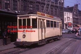 Reproduction D'unePhotographie D'un Tramway Ligne 4 St.Pieterstation Avec Pubs Mann Et Javel La Croix à Gand En 1964 - Reproductions