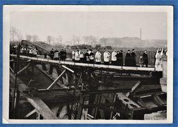 PHOTO 59 DUNKERQUE - Procession Sur Un Pont à Identifier - WWII - Dunkerque