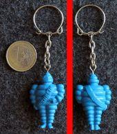 Porte-clé MICHELIN Bibendum Bleu Banderole En Travers - Llaveros