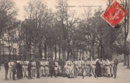 GUINGAMP  - La Promenade Du Vally ( Tres Animée) Militaires - Guingamp