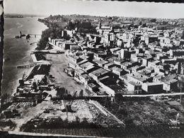 Carte Postale De Bourg-sur-Gironde, Vue Aérienne Général Du Port - Frankrijk
