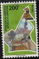 Cameroun 2000 Oblitéré Used Mappe Avec Vues Scènes Traditions Animaux SU - Camerun (1960-...)
