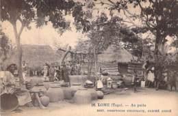 TOGO - LOME : Au Puits - CPA -  Afrique Noire - Black Africa - Togo