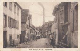 CPA - BUCHSWEILER - BUCHSWILLER (BAS-RHIN) - JUDENGASSE - RUE DES JUIFS - CHEMINÉE USINE - Bouxwiller