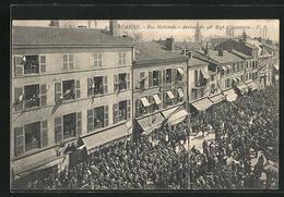 CPA Roanne, Rue Nationale, Arrivée Du 98. Regt. D`Infanterie - Roanne