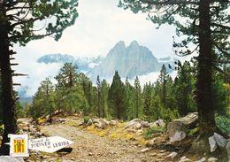 Espagne Pirineo De Lérida Paisaje Els Encantats (2 Scans) - Lérida
