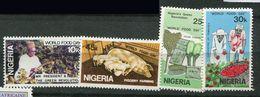 ** Nigéria  N° 393 à 396  Contre La Faim - Against Starve
