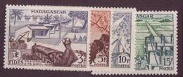 ⭐ Madagascar - YT N° 327 à 330 ** - Neuf Sans Charnière - 1956 - ⭐ - Nuovi
