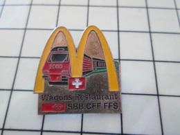 1020 Pin's Pins / Beau Et Rare / THEME : McDONALd'S / LE MAC DO DANS LES WAGON RESTAURANT SUISSES Tout Fout Le Camp !!! - McDonald's