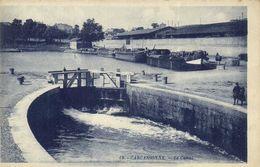 CARCASSONNE  Batellerie Le Canal Peniches Ecluse RV RV - Carcassonne