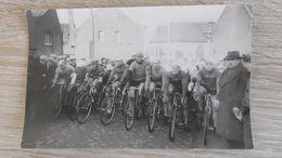 WESTOUTER. Cyclocross Kampioenschap Westvlaanderen 20 Februari 1937. Start In Het Dorp (fotokaart 1) - Heuvelland