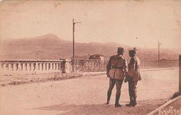 Rare Cpa La Douane Franco-espagnole Et Douaniers - Police - Gendarmerie