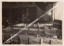 04-Travaux Du Théâtre Marigny En 1925 2 Photos Originales - Armature Du Plancher Du 1er Balcon Avec Ouvriers 10/03/1925 - Luoghi