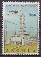 Poste Aérienne - Avion. - ANGOLA - Raffinerie De Pétrole - N° 16 ** - 1965 - Angola