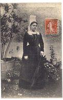 Jeune Fille De La Mothe-saint-héray - La Mothe Saint Heray