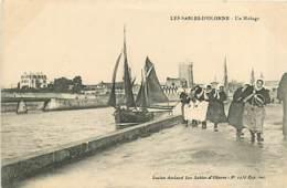 85* LES SABLES D OLONNE  Un Halage MA107,0764 - Sables D'Olonne