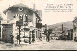 CPA 64 Pyrénées-Atlantiques Béhobie Frontière Espagnole Maison Claverie Formalités Douane Pompe à Essence - Béhobie