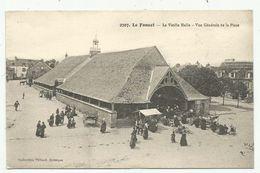 Le  Faouet (56 - Morbihan) La Vieille Halle - Vue Générale De La Place - Faouët