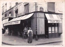 Belle Photo Paris 1er (75) Le Café-Bar De La Banque De France Rue Coquillière Avec André Jeulin 1948 - Lieux