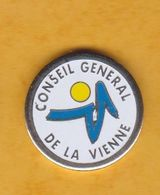 Jeton De Caddie En Métal - Conseil Général De La Vienne (86) - Jetons De Caddies