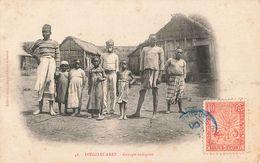 Madagascar Diego Suarez Groupe Indigene + Timbre Madagascar Et Dependances - Madagaskar