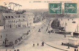 AUDIERNE  -  Les Quais ; Le Port  ..( Animée) - Audierne