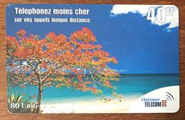 GUADELOUPE MARTINIQUE GUYANE ARBRE PLAGE PASS 40FF OUTREMER TELECOM CARTE À CODE PRÉPAYÉE UT PHONECARD CARD - Antilles (Françaises)
