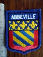 ECUSSON  TOURISTIQUE  ABBEVILLE - Blazoenen (textiel)