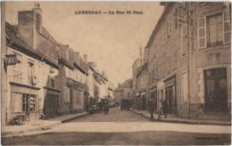 D19 - LUBERSAC - LA RUE ST JEAN - Tabacs-G. Renaudie-Plusieurs Véhicules Anciens- Brouette - Altri Comuni
